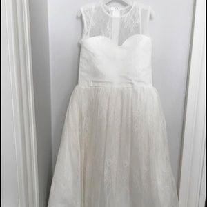 Hi! I'm Flowergirl Lace Dress! 🤍